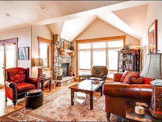 One Block from Main Street - Hickory Hardwood Floors & Granite Countertops (13420), Breckenridge