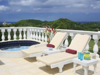 Blue Moon - Ideal for Couples and Families, Beautiful Pool and Beach, Cap Estate