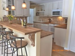New Fully-Outfitted Kitchen