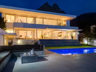 3 or 6 Bed Ultra-Stylish Sea View Villa Maxima!, Camps Bay