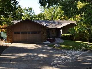 21ToleDr  Lake DeSoto Home   Sleeps 6 WI-FI Access, Hot Springs Village