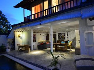 Cozy Pool Villa Seminyak, Bali