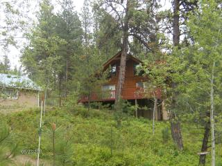 Beautiful Log Cabin in the mountains @ Cascade, ID