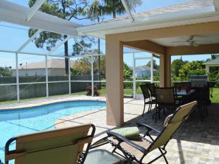 Villa Hiatus - Heated pool, beautiful furnished, Cape Coral