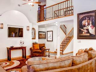Solitude in Graceful Elegance Surrounded by Vineyards, Paso Robles