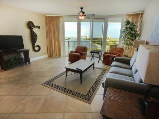 Beautiful CARIBE condo with Private Balcony, Orange Beach
