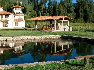 Pacobamba - breathtaking view, swimming pool