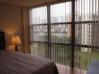 Newly remodeled 1 bedroom in Sunny Isles , 1 block to the ocean, easy walk to everywere, no car needed., Sunny Isles Beach