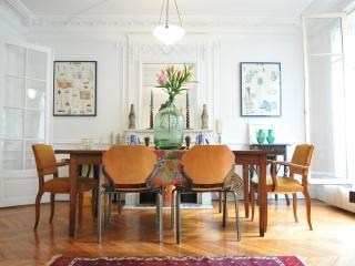Central Paris Luxury Apt - Ile St. Louis - An island on the Seine