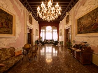 Luxury apartment FrancescoAlgarottiHouse, Venice