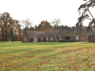 81025 - Grooms Cottage, Grimston