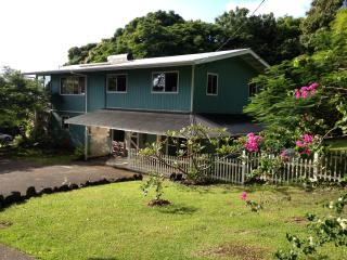 The Surfers Inn, Holualoa