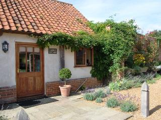 48209 - Garden Cottage, Manor, Wellingham