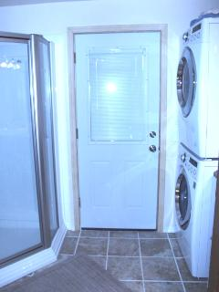 Extra bathrrom and laundry room