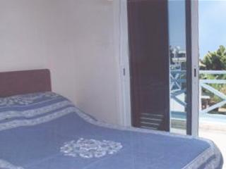 A holiday house, just 3minutes walk to the beach at Larnaca Bay, Oroklini