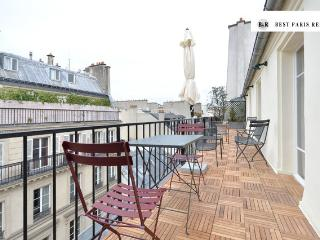 Rare Paris Opera Penthouse with terrace, 4 sleeps