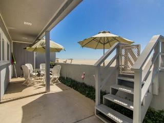 3441 Ocean- Mollies by the Sea, Oxnard