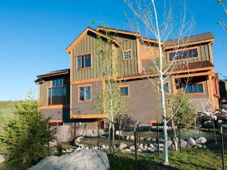 Wildernest's Finest Townhome-Hot Tub,Firepit,Bus, Silverthorne