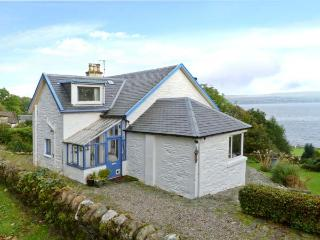 GLENASHDALE, woodburner, WiFi, dog-friendly, Sky TV, detached cottage near Dunoon, Ref. 12582