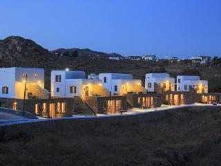Gound floor suite at Agia Anna, Paraga, Mykonos