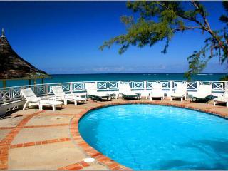 Edgewater Villa - Ocho Rios - Oceanfront Villa