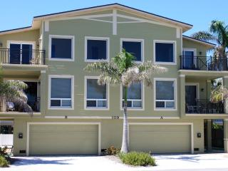 Anna Maria Island Beach Palace Jan. (Special Deal), Bradenton Beach