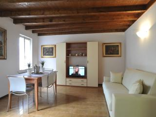 Heart of Bellagio - smart apartment in the heart of Bellagio