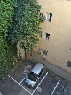 Private Parking - Courtyard