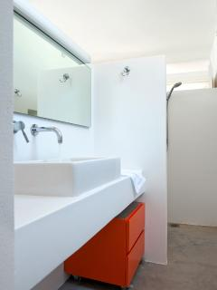 Bathroom House 1
