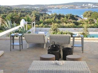 Sea front Villa with 4 br and private pool