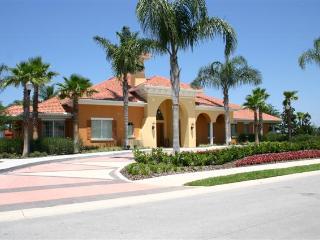 Beautiful 6 bedrooms/5.5 bath. Close to Disney