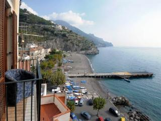 Casa Flavia in Minori overlooking the sea