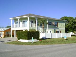Beach Beauty- 7700 Gulf Dr, Holmes Beach