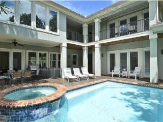 6 Bedroom 3rd Row Home with Private Pool and Spa Steps to the Beach, Hilton Head