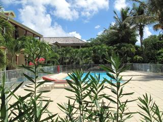 LATANIERS 12...affordable condo in the heart of Orient Village, St Martin