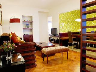 Contemporary 1 Bedroom Apartment in Plaza San Martín, Buenos Aires