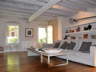 Byzantine, luxurious art apartment in exclusive Giudecca island., Venice