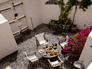 Cyrene Villa, Santorini