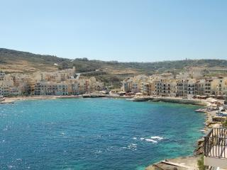 Gozo Holiday Rentals Apt Spectacular Views,Air-Con, Marsalforn