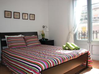 Flat Central - Sagrada Familia for 5 People, Barcelona