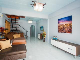 2 Bedroom House Shared Pool, Patong