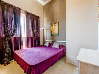 Mainstay, Roomy, Sliema 1-bedroom Apartment