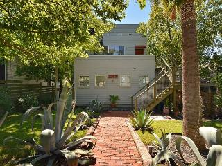 3BR/2.5BA Downtown Hilltop Home, Perfect Holiday Getaway!, Austin