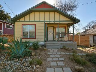 3BR/2BA Remodeled East Austin - Walk To East 6th Street
