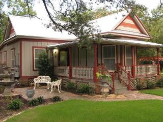 2BR/2BA Historic South Austin Home