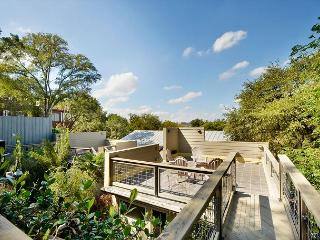 3BR/2.5 with rooftop deck.  Across the street from Zilker Park.