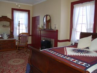 James Manning House B&B - Wayne Room, Honesdale