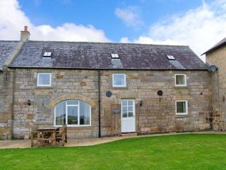 GRANGEMOOR BARN, countryside setting, on working farm, woodburner, ideal touring base, near Scot's Gap and Rothbury, Ref 29926