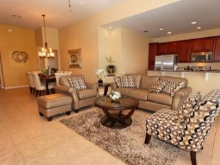 Private Executive 4 bed pool town home, Kissimmee