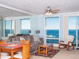 Spacious Oceanfront Condo-HDTV, WiFi, Pool/Hot Tub, Depoe Bay